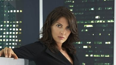 Photo of Gina Bellman's Wiki – aka Sophie Devereaux on 'Leverage'