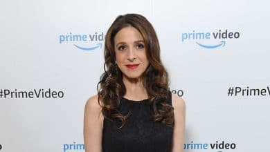 Photo of Marin Hinkle's Net Worth, Measurements, Husband, Height