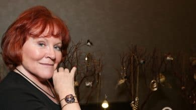 Photo of Edie McClurg's Biography: net worth, plastic surgery. Married?