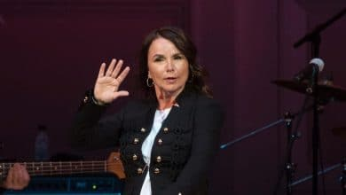 Photo of Patty Smyth's Net Worth, Husband John McEnroe – Biography