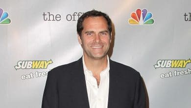 Photo of Andy Buckley's Biography – Net Worth, Wife, Family, Body