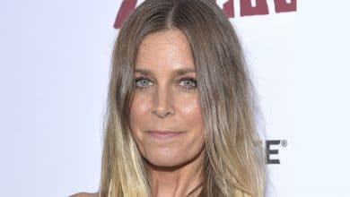 Photo of Sheri Moon Zombie's Wiki – Net Worth, Husband Rob, Children