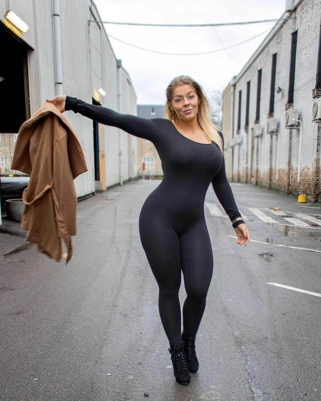 Naked Truth Of Mia Sand - Age, Measurements, Boyfriend, Wiki