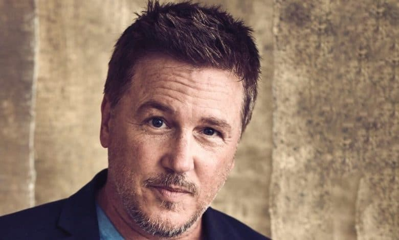 Photo of Lochlyn Munro's Net Worth, Wife, Family, Eyes – Biography
