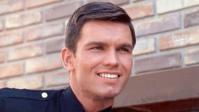Photo of The Untold Truth About Kent McCord – Net Worth, Wife, Family