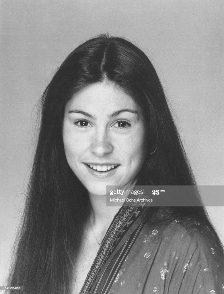 What Is Diana Canova Doing Now Net Worth Measurements Canova made her television acting debut in a 1974 episode of happy days portraying a considerably taller date of richie (which was exaggerated since both she and ron howard are the same height at 5'9). what is diana canova doing now net